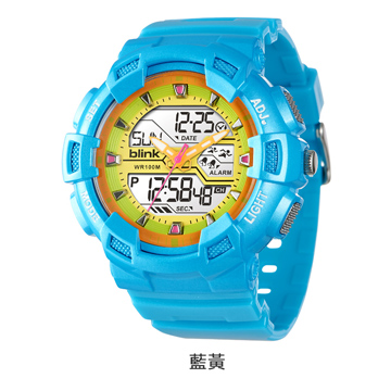 JAGA捷卡重裝悍將-多功能兩地時間防水運動電子錶(藍黃)AD935